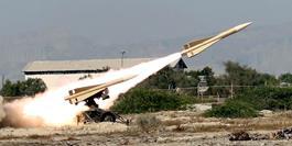 ارتش دشمن شکن در عرصه خدمت نیز یک نیروی پویا و مردمی است