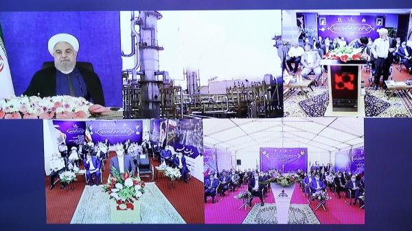 بهره برداری رسمی از ۴ طرح ملی صنایع پتروشیمی با فرمان رئیس جمهور آغاز شد