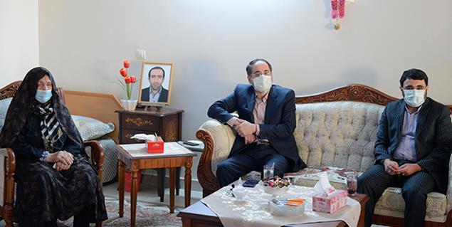 دیدار بابک نگاهداری با خانواده شهید حمید امدادی
